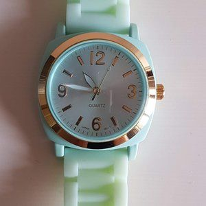 💫Free with purchase! Seafoam Green Watch